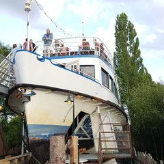 """... """"alte utting"""" - ein ausgedientes schiff vom ammersee ..."""