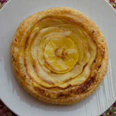 Laos, Luang Prabang: a pear tart at Le Bannelon Cafe & French Bakery on Sakkaline Street