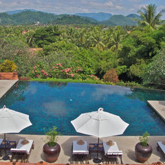 Laos, Luang Prabang: La Residence Phou Vao, the view over the hotel infinity-pool