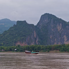 Laos, Luang Prabang: scenery along the Mekong River en route to Pak Ou Caves