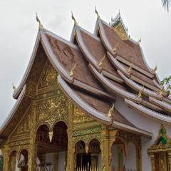 Laos, Luang Prabang: the roof of Wat Ho Prabang