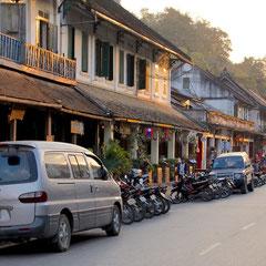 Laos, Luang Prabang: view up Sisavangvong Street