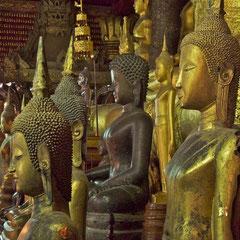 Laos, Luang Prabang: buddhas in Wat Mai