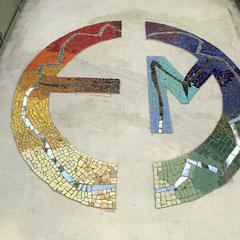 farbige Fliesen als Mosaik