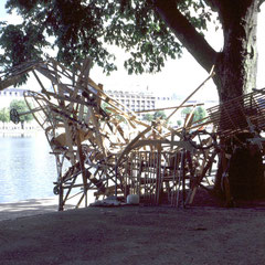 """recycling sculpture"" growing sculpture made of old wood, public workshop at the milieufestival"