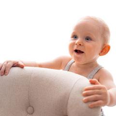 Kinderfotograf, Kinderfoto, Kind-auf-Stuhl, Kindershooting, Kinderfotografhamburg, Kinderfotografbuchholz