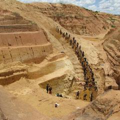 Vortrag über Mineralien in Madagaskar: Korundschürfer in Ilakaka