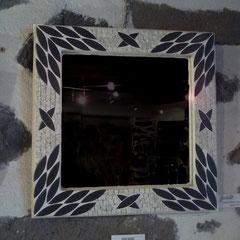 Miroir Mosaïque Lave de MENET (Trachyte du Cantal), calissons noirs