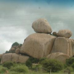 wer hat diese Steine aufgetischt ?