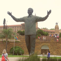 Mandela Statue vor den Union Buildings