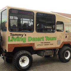 mit diesem Fahrzeug geht es mit Tommy in die Wüste
