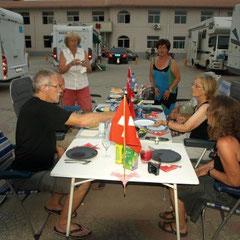 ein richtiger schweizer 1. August Tisch