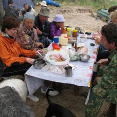 Первый завтрак на Б.Кокшаге