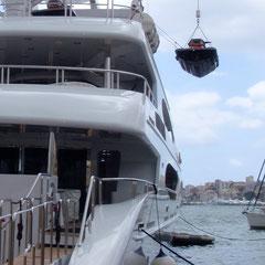 crane hiab lift on superyacht superyachtpwc.eu