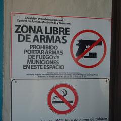 Streng verboten, aber jeder hat eine......  An´s Rauchverbot hält sich auch niemand.