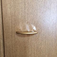 クローゼット扉の表面シートが膨れ