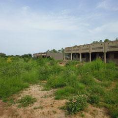 Das neue Schulgebäude mit 3 Klassenräumen