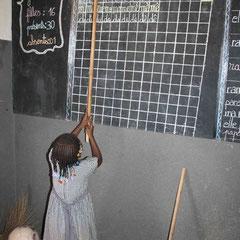 Die Kinder lernen zunächst Französisch