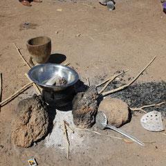 Die Schulküche. Hier wird täglich eine Reichhaltige Mahlzeit für alle Schulkinder zubereitet.