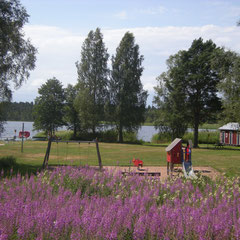 See Bellen mit Kinderspielplatz