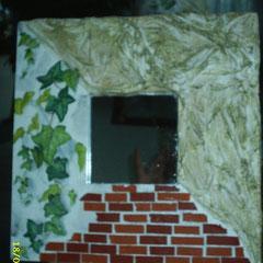 Spiegel (ca. 10 x 10 cm) mit Rahmen 25 x 25 cm; Euro 10,00