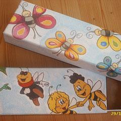 Stiftebox aus Paperart; Größe: ca. 20 x 7 x 2,5 cm; je Euro 4,00 - die Box mit Biene Maja ist bereits verkauft!!!