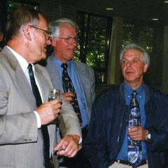 Stellvertr. Schulleiter Meinhard Ritterbach, Schulleiter Bernhard Hohmann und Hausmeister Werner Wilmes (1999)