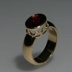Ring Granat, Gelbgold