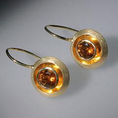 Linsenohrhänger Granat, 750/-Gelbgold