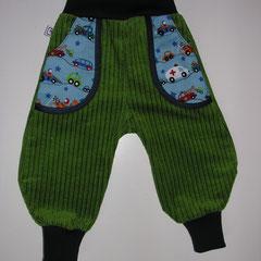 Grüner Breitcord mit Taschen aus Baumwolle, Grösse 86, fällt aber eher wie 80 aus