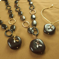 [Radiance of God]Necklace 2014  material:wood(ebony),bean(tamarind) ,Swarovski grass,brass,alloy