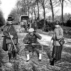 Domaine de chasse «Les Vernoux» près de Beaugency, propriété de Georges Martin-Zédé (à gauche), 1928
