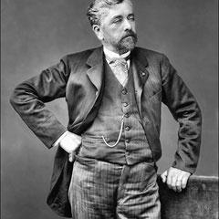 Stephen Sauvestre (1847 - 1919) fut l'architecte de la villa Menier sur l'île Anticosti. Il reçu la commande en 1889. La villa fut terminée en 1904.  Il a aussi dirigé le cabinet d'architecture de l'usine Eiffel.