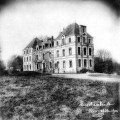 Le château de Fourchambault, propriété de M. R. Eustache, cousin de Martin-Zédé, qui était en charge du secrétariat d'Anticosti à Paris.
