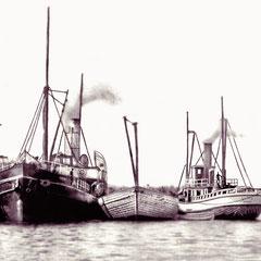 Le SS Savoy (à gauche) et l'Alpha