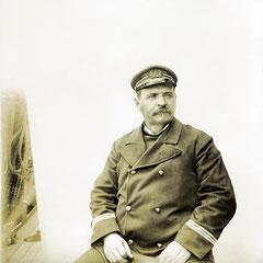 Un nouveau site web sur le capitaine Bélanger est en préparation et sera bientôt disponible. L'album photo du capitaine dernièrement retrouvé vous sera présenté. Le capt. Bélanger pilotait le Savoy durant les années «Menier».