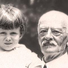 En France, Lucien Comettant (1853-1925) et son petit-fils Lucien Laurin (1916-1998), (fils de Georgette Comettant et de Joseph Laurin (directeur de la Compagnie Paquet de Québec, petit-fils de Zéphirin Paquet)