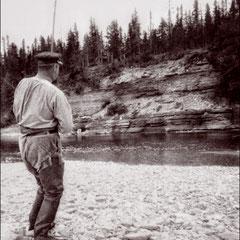 En juin 1904, au pool 12 de la rivière Jupiter, Martin-Zédé à la pêche