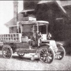 La voiture qu'Henri Menier a amené à l'île en juillet 1905 en même temps que tout le mobilier pour son pavillon de chasse.