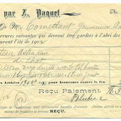 Entreposage de fourrure au magasin Paquet de Québec en 1902. Georgette Comettant, fille de Lucien a rencontré Joseph Laurin alors directeur de la compagnie Paquet et petit-fils de Zéphirin Paquet, le fondateur et se sont mariés. Ce sont nos grand-parents.