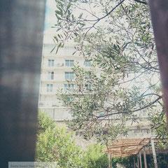 Urban life in Marseille by Roland Grosch - Street Photographer Hanau