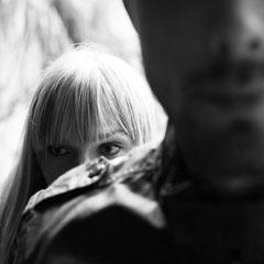 Portrait einer jungen Frau in Hanau - fotografiert vom Fotografen Roland Grosch
