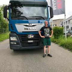 TGX 16.460 6x2-4 von Kunz Transport AG, Egg bei Zürich