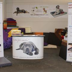 Gesunde Hundewelt Stand auf der Messe IHA Tulln 2013 mit dem medizinischen Hundebettenprogramm Lectus pro canibus®