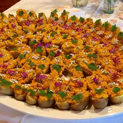 Kartoffelschiffchen mit pikanter Karottencreme