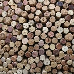 Detailaufnahme Kugel aus Weinkorken - 60cm - 2012