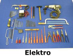 Gereedschap voor electriciens, zoals tangen, schroevendraaiers, spanningszoeker, sleutels en boormachine