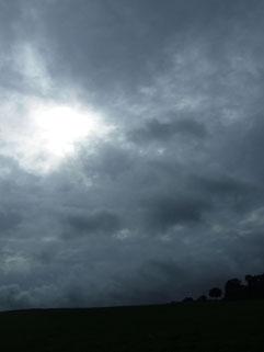ein kleines Wolkenloch - kommt da noch die Sonne raus?