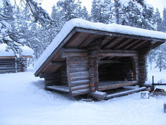 Finnish shelter called: Laavu. Picture:Suomenlatu