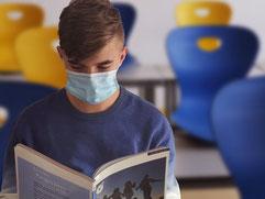 uso mascherina problema acne per ragazzi adolescenti